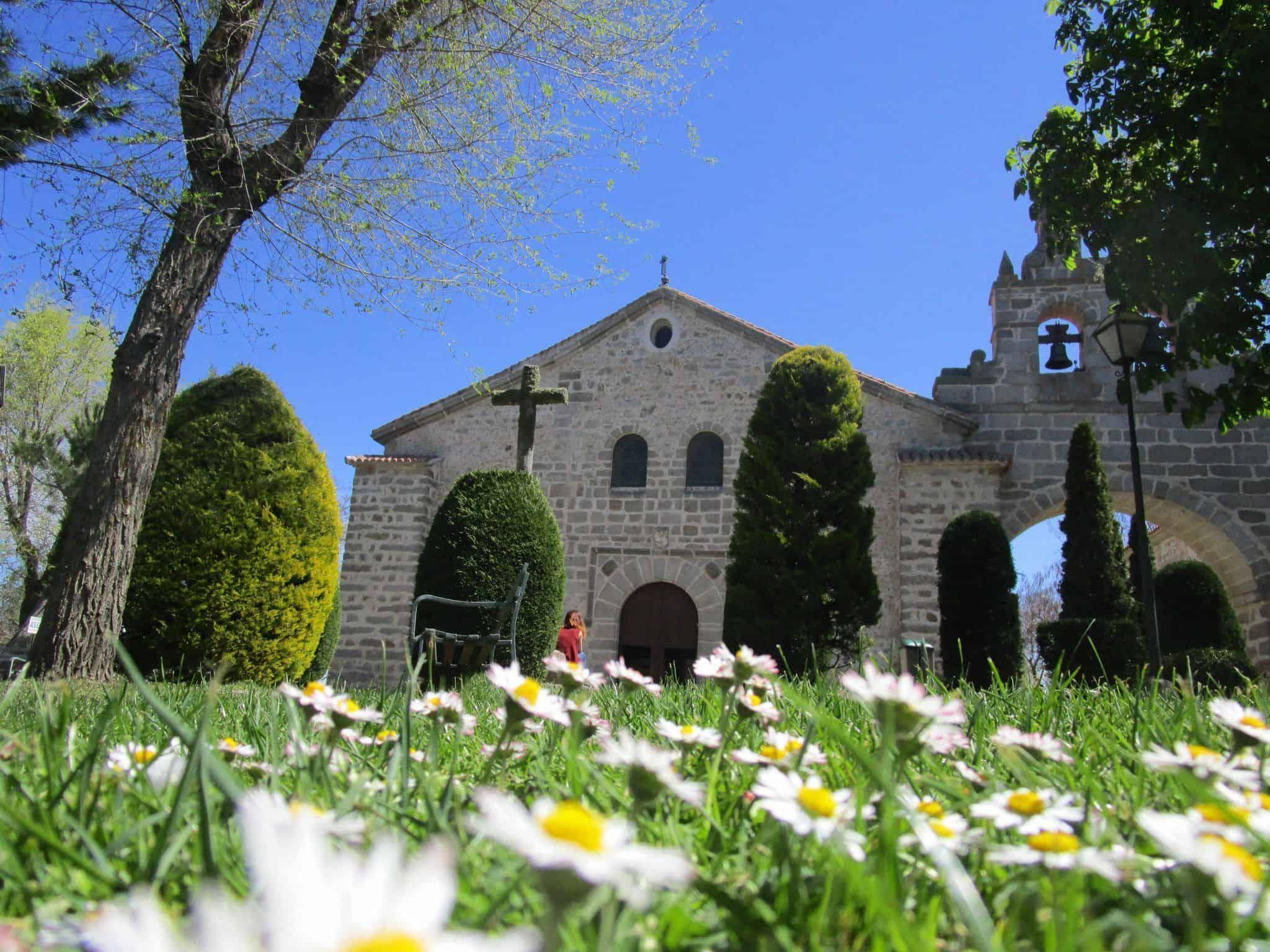 Los alrededores de la iglesia de Sonsoles son súper agradables.