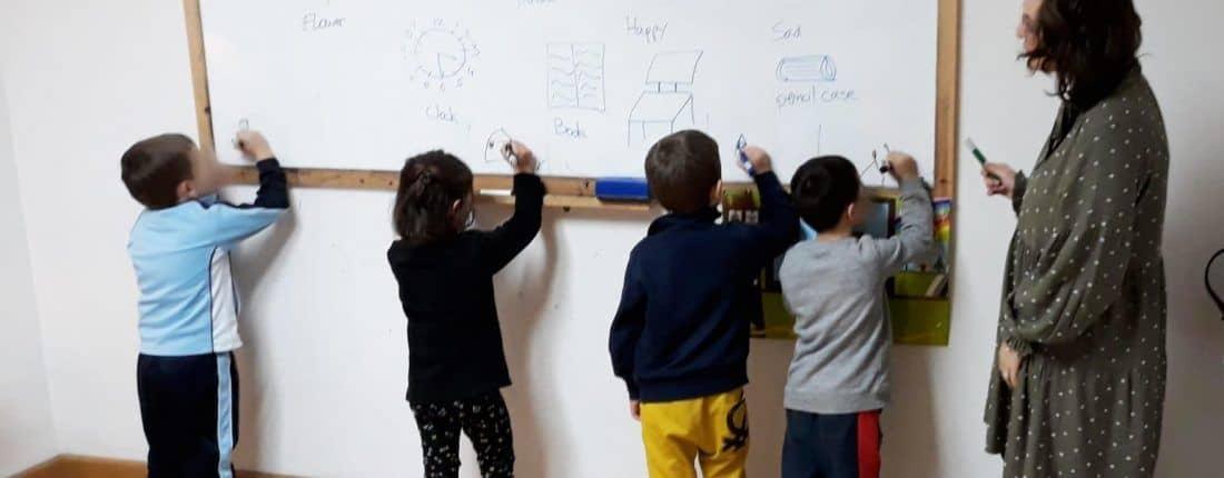 Alma Mater: inglés para niños de tres a cinco años
